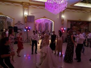 09-osvetitel-za-svatba